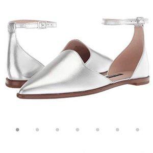 Nine West//silver leather flat w/ ankle strap, 6